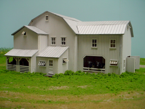 PDM 1050 HO scale One Level Dairy & Hay Barn